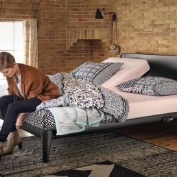 Auping Essential Bett beim Schlafzimmer und Bettenhaus Körner in Nürnberg