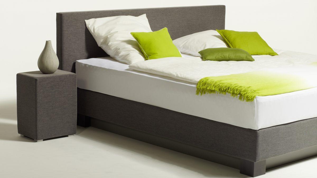 Akva Wasserbetten beim Schlafzimmer und Bettenhaus Körner in Nürnberg. Modell: Boxbed
